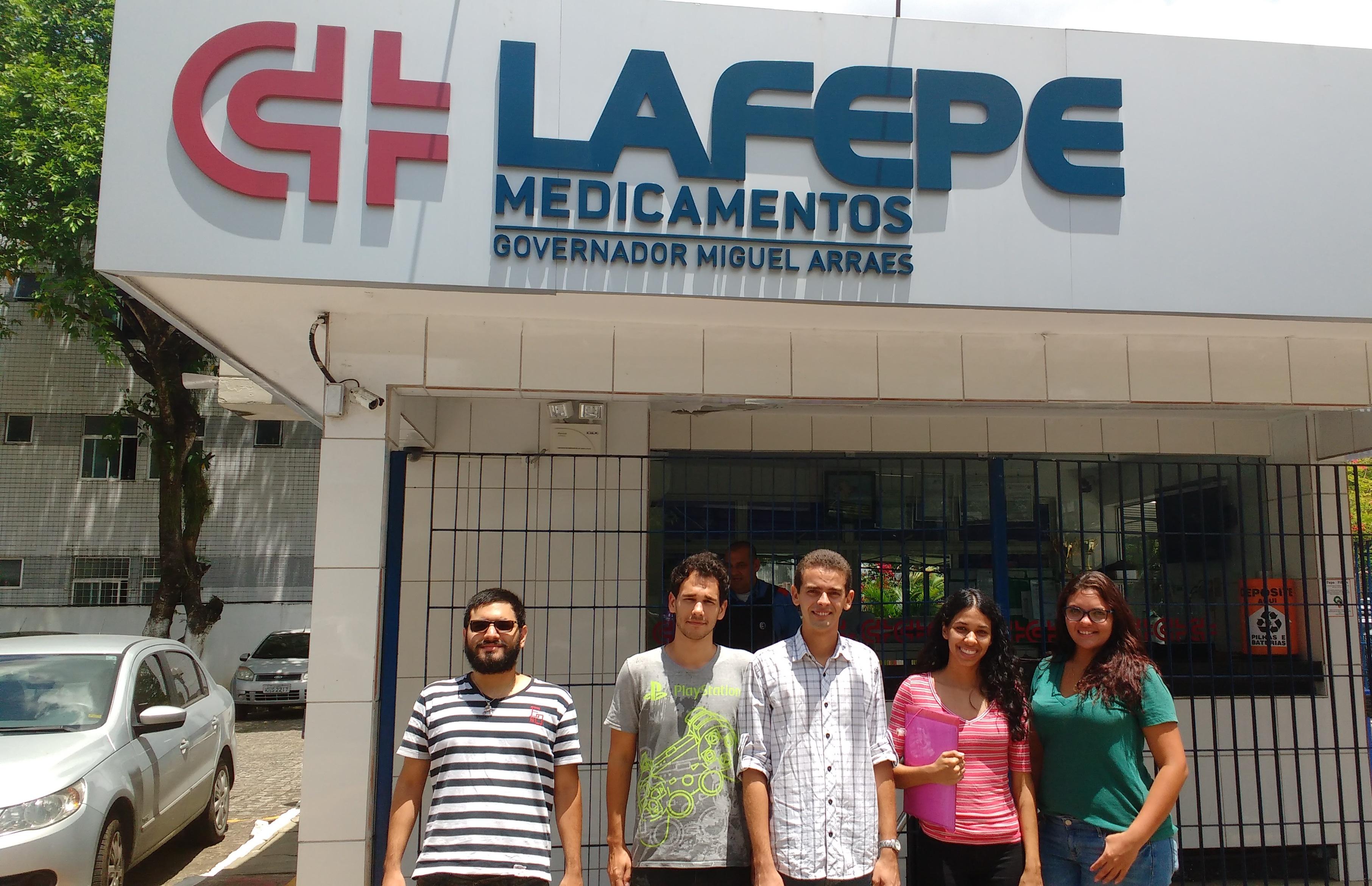 Universitários das UFRPE visitam a área de pesquisa do Lafepe