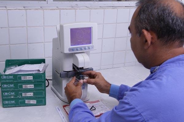 Lensômetros (conferência e marcação das lentes)